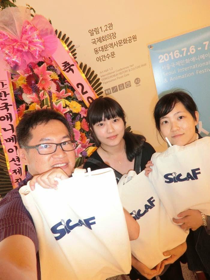 03.鄧偉炘老師帶領學生前往韓國抱回競賽類SICAF Fantastical獎