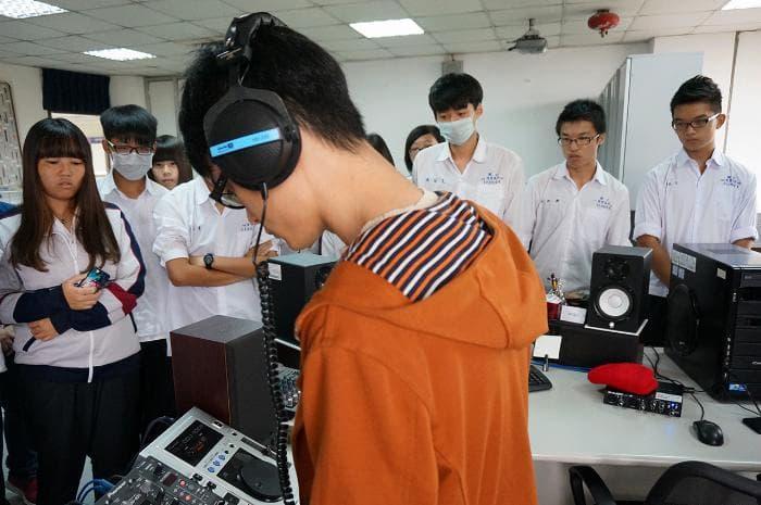 05.參訪音像互動媒體實驗室