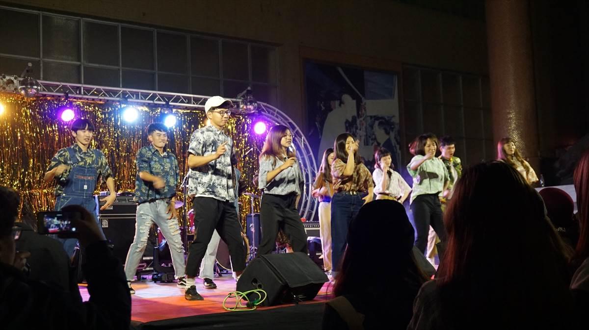 02.三系同學合作舞蹈表演